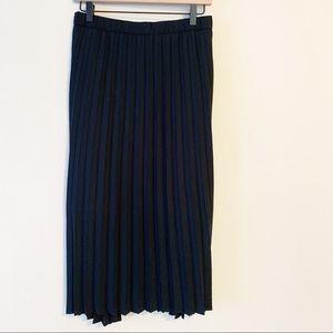 Ava & Viv 4X Pleated Knee Length Skirt Black